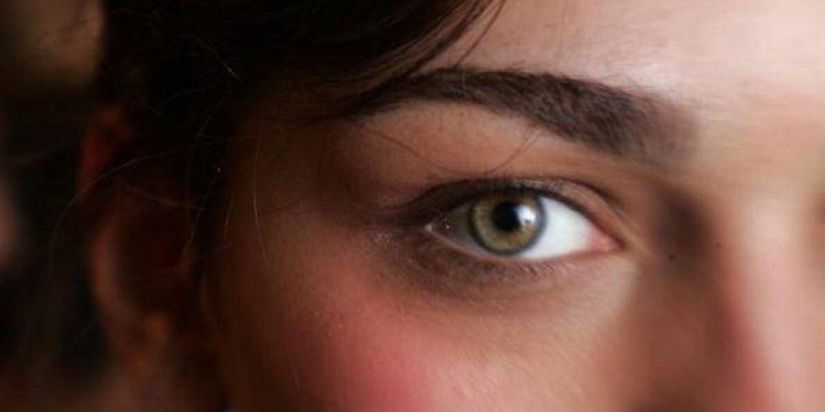 Disimula fácil las bolsas en los ojos en 4 pasos