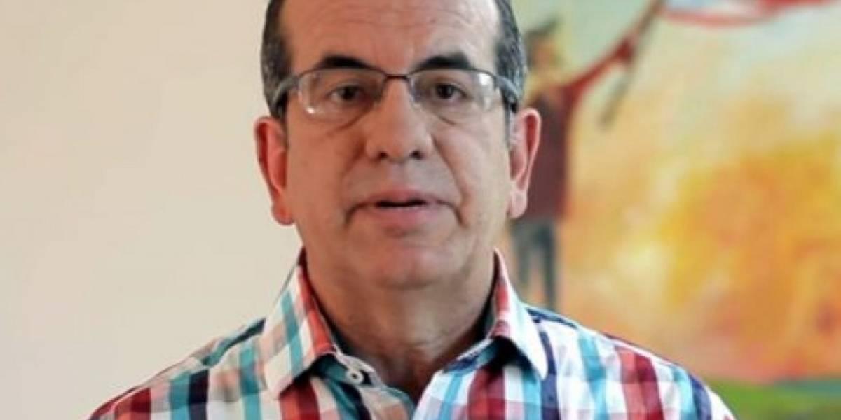 Aníbal Acevedo Vilá y artistas critican apoyo de EE.UU. a Puerto Rico