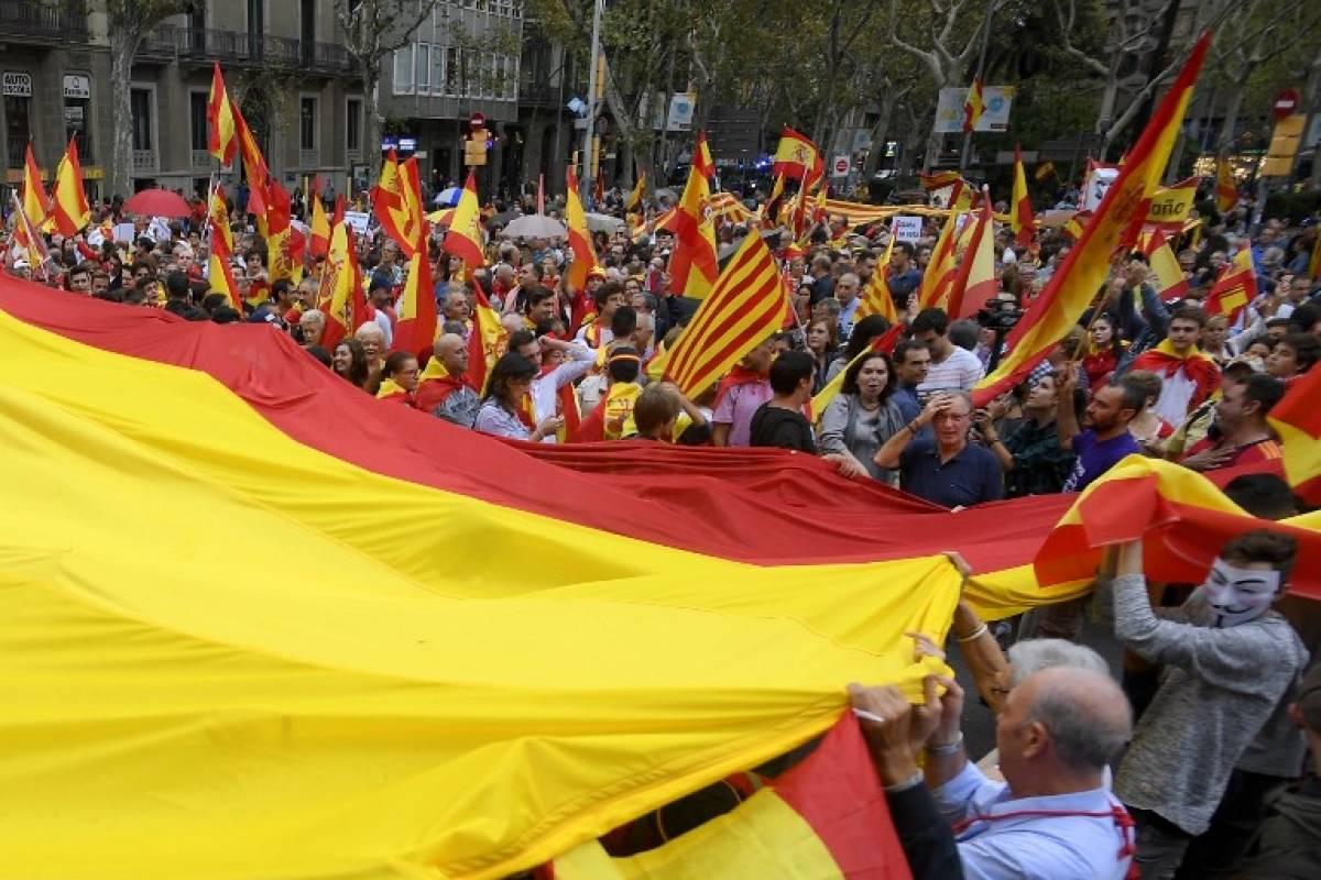 Banderas españolas en Cataluña