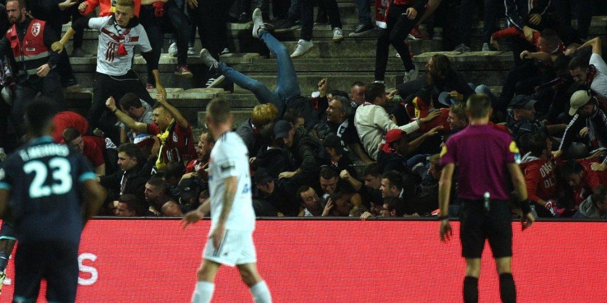 VIDEO. Avalancha humana tras gol provoca caos en la Liga francesa