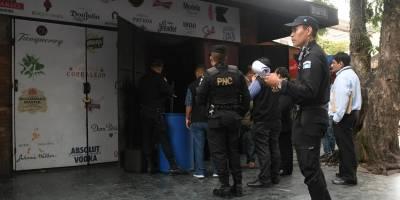 Realizan allanamiento en discoteca en zona 10