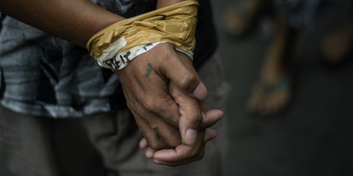 """""""Si roban van a correr la misma suerte"""": Grupo criminal corta una mano a joven de 16 años por ladrón"""
