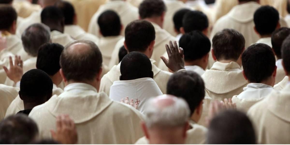 Busca a diplomático del Vaticano por publicar pornografía