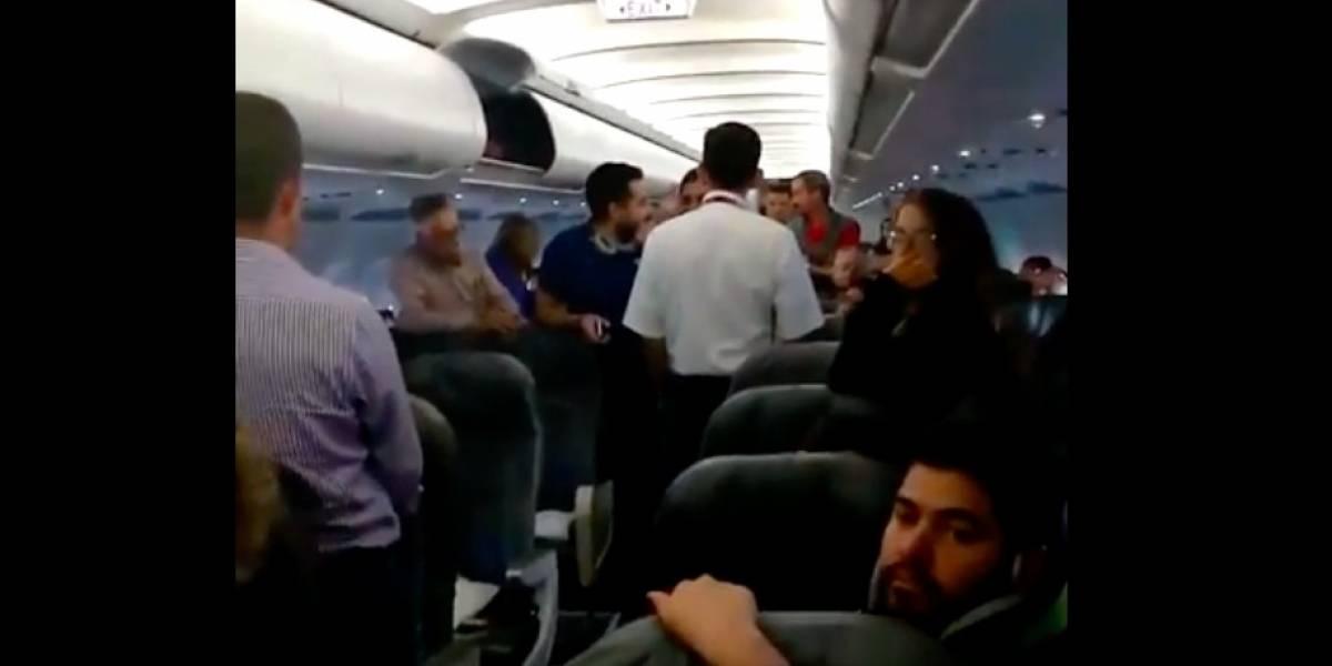 Piloto de Avianca sacó a un pasajero de un vuelo por quejarse de la huelga