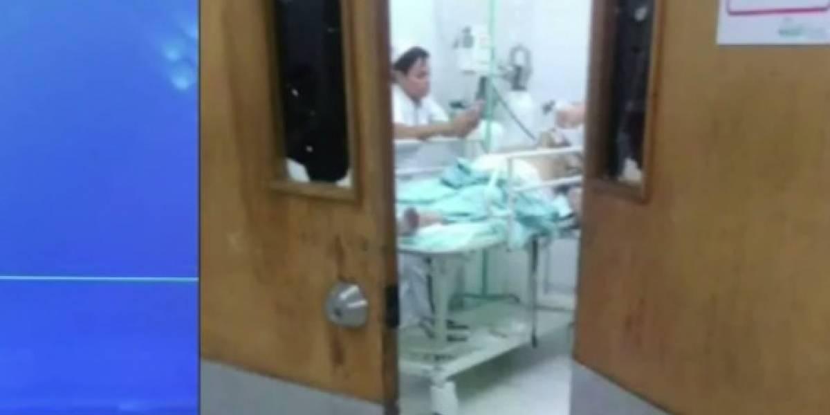 Controversia por enfermera que chateaba mientras un hombre sufría un infarto en Barrancabermeja
