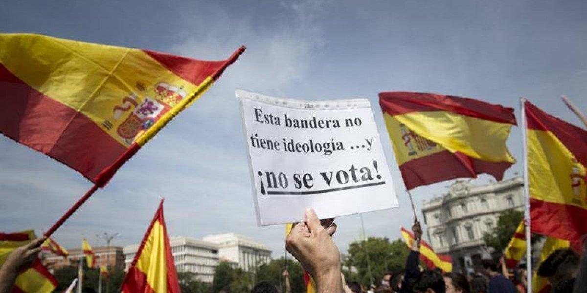 Barcelona: cientos de españoles protestaron en contra del referéndum que busca independencia de Cataluña
