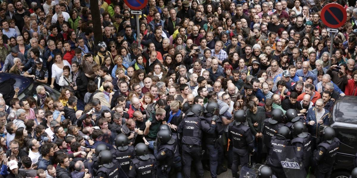Sube 844 el número de heridos por referéndum independentista en Cataluña