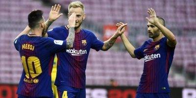Jugadores del FC Barcelona celebran