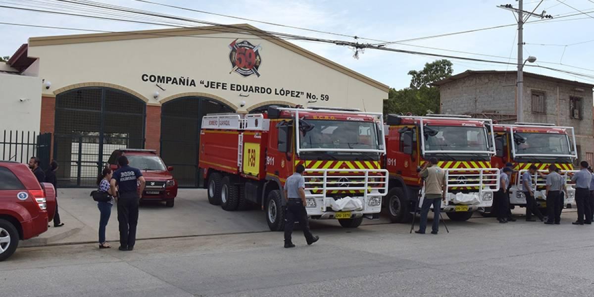 Bomberos de Guayaquil, con 8 nuevos carros bombas