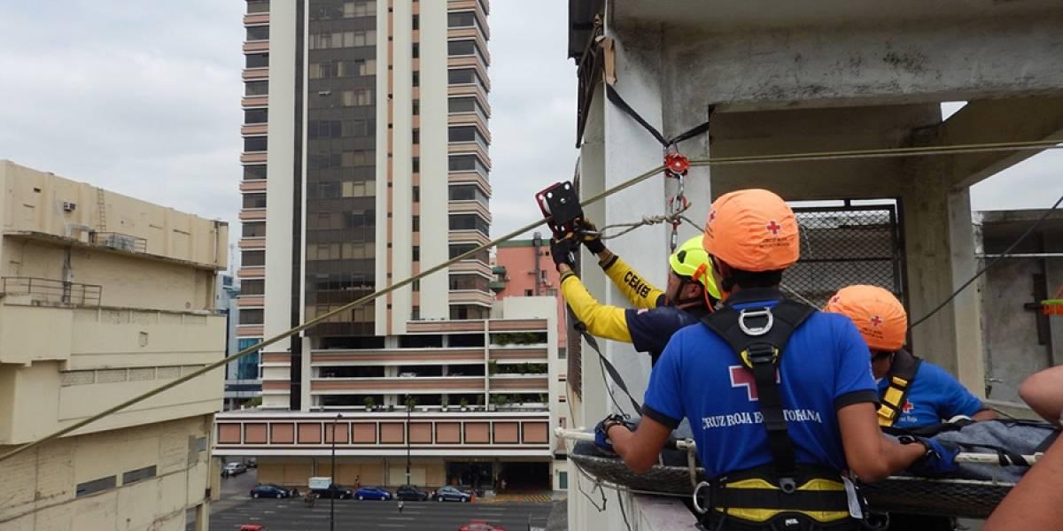 Rescatistas del 11S formarán a voluntarios en Guayaquil