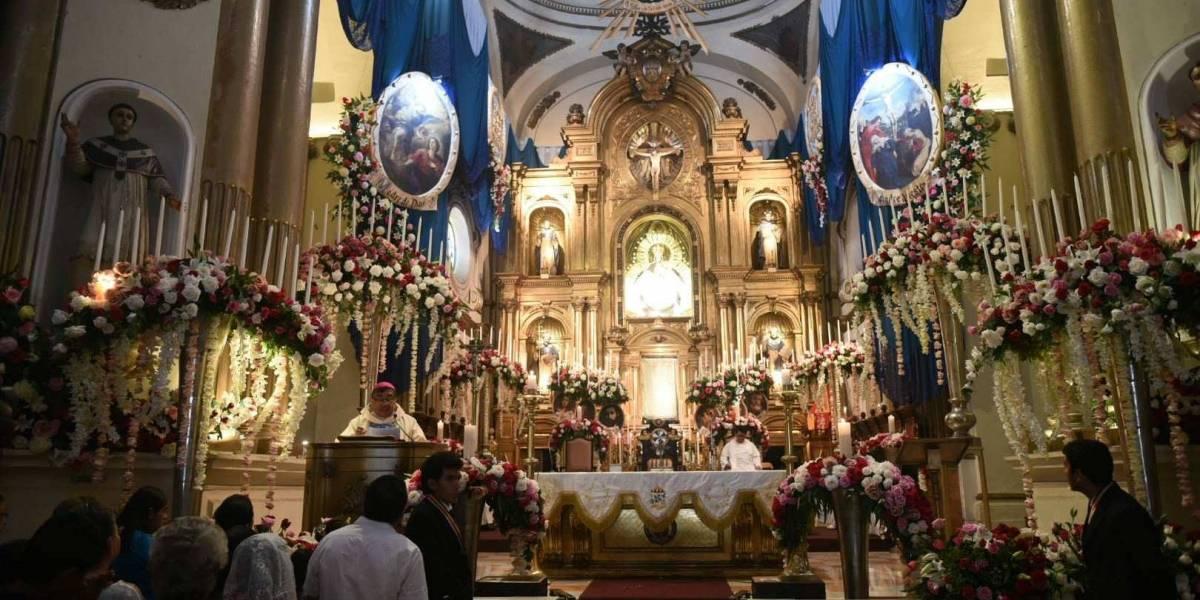 EN IMÁGENES. Inicia el mes de la Virgen del Rosario, feligreses acuden al templo dominico
