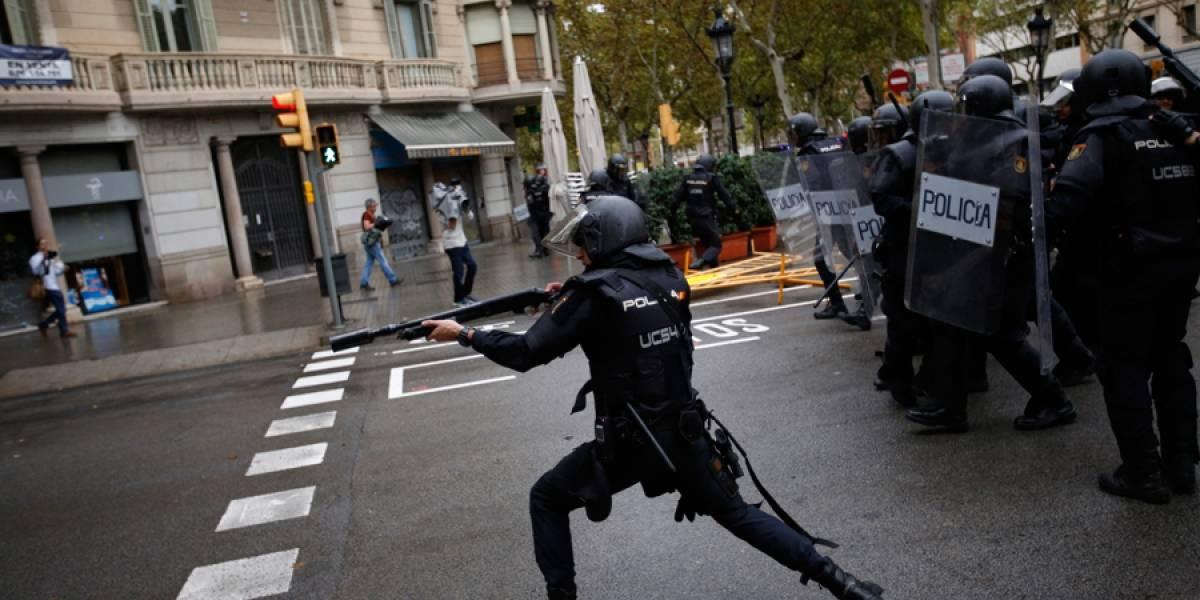 VIDEO. Decenas de heridos tras irrupción de policía en centros de voto del referéndum en Cataluña