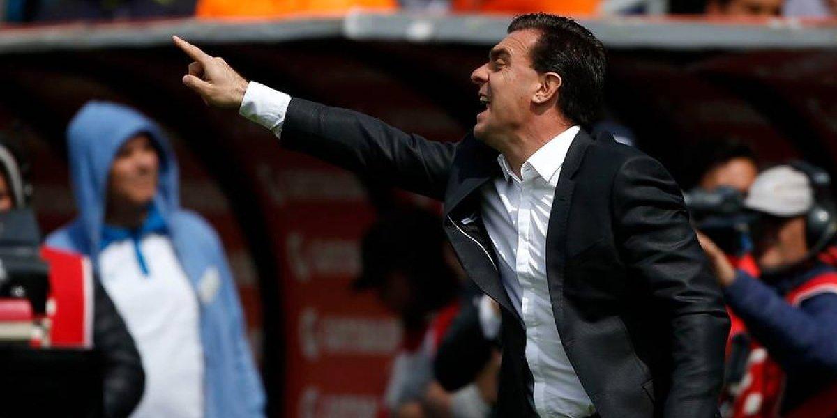 """El intenso y """"desesperado"""" partido de Pablo Guede: Gritó y pidió insistentemente a sus jugadores salir del fondo"""