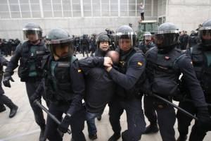 Incidentes durante referéndum en Cataluña