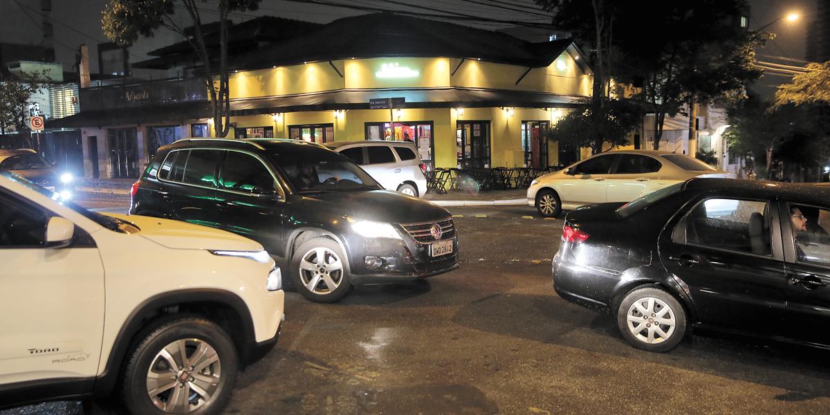 CET proíbe estacionar em ruas da Vila Madalena durante o Carnaval