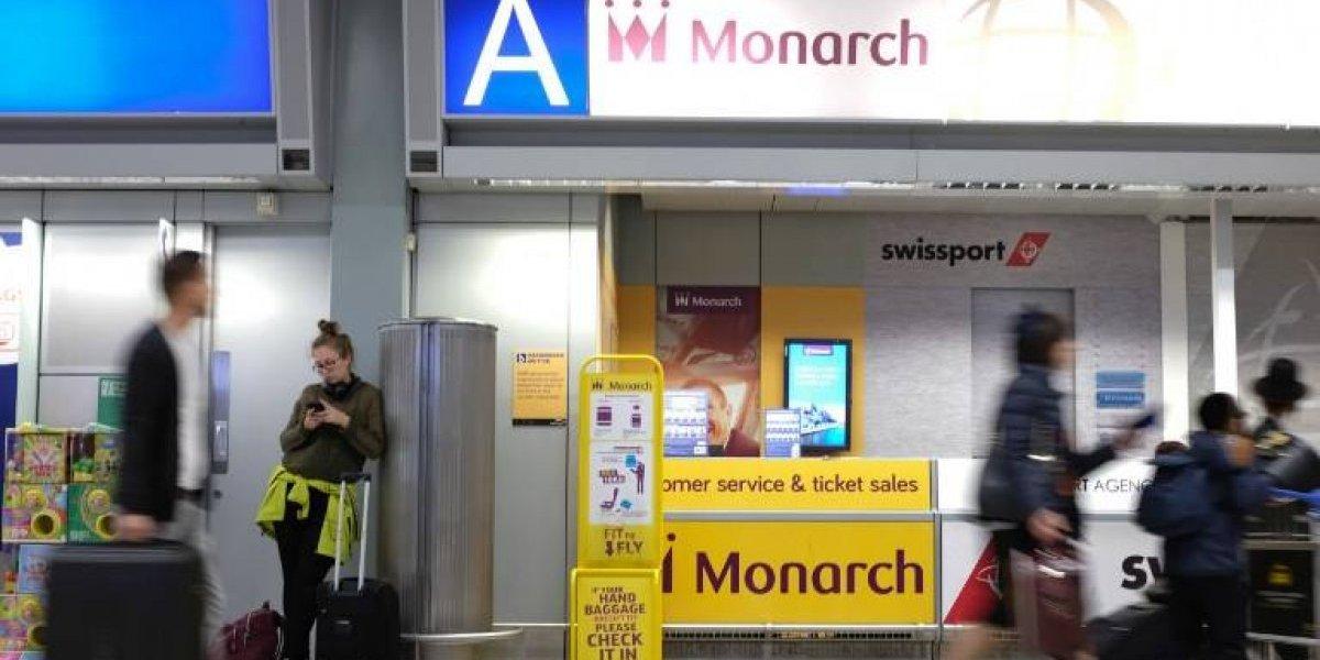 Aerolínea suspende vuelos y deja a pasajeros varados