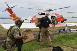 Guardia Costera lleva suministros a Utuado