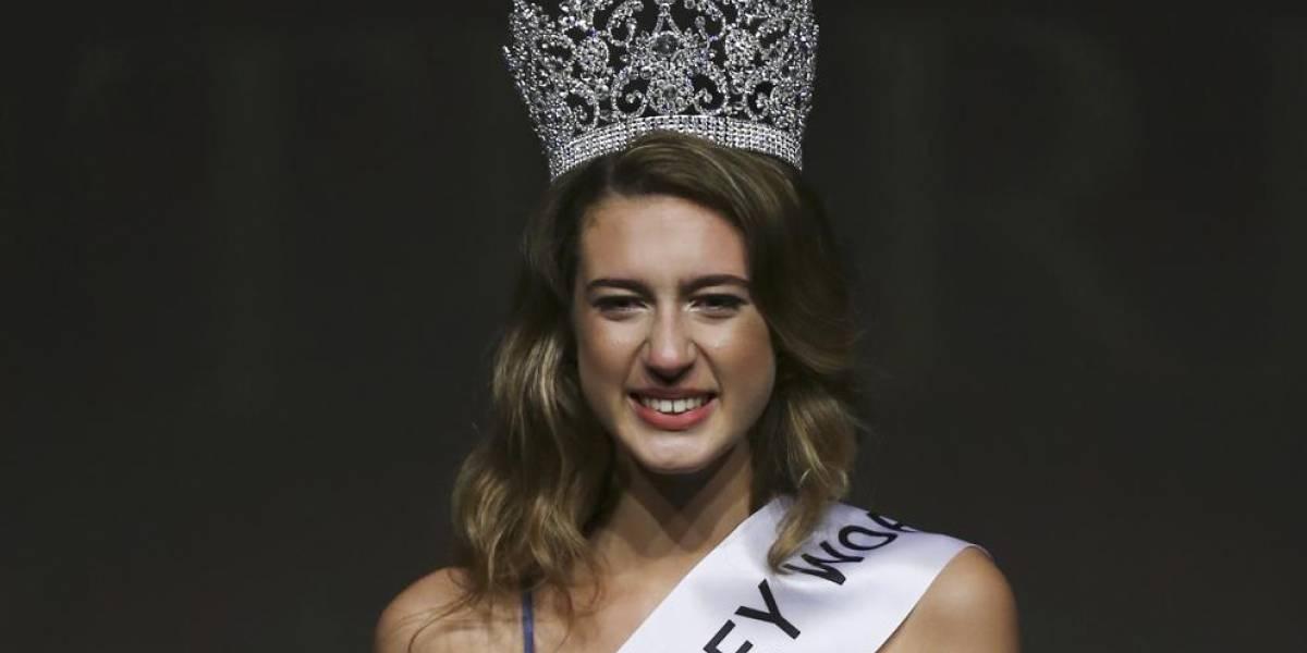 Reina de belleza pierde su corono por un tuit