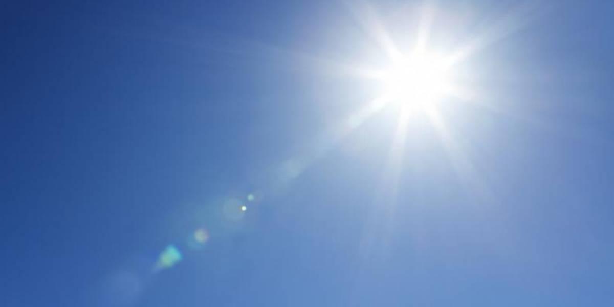 Usan energía solar para iluminar Adjuntas