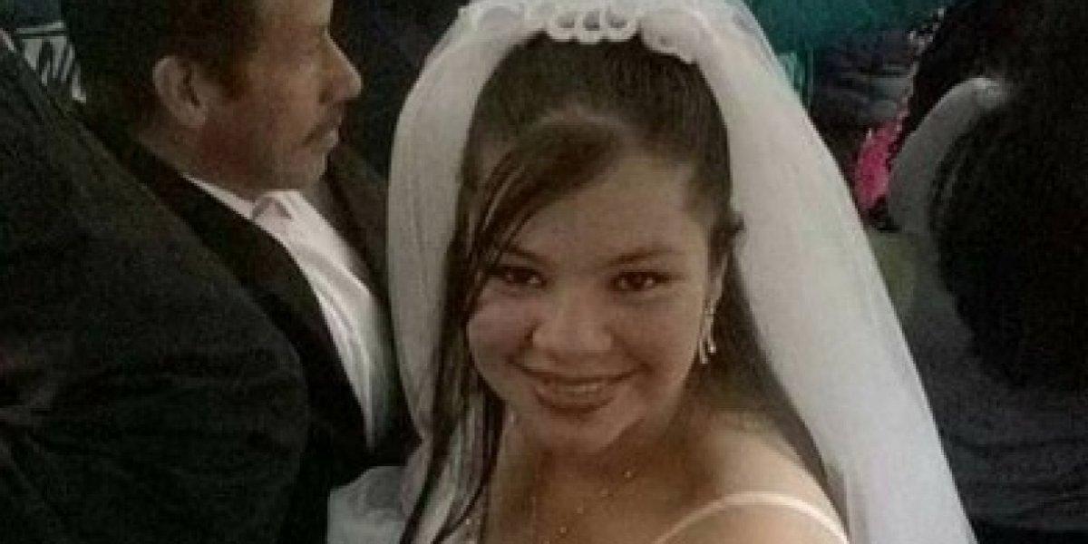 Fotos: Vestida de novia se subió en un TransMilenio rumbo a su boda