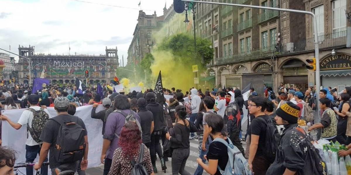 Miles marchan en conmemoración del 2 de octubre en CDMX