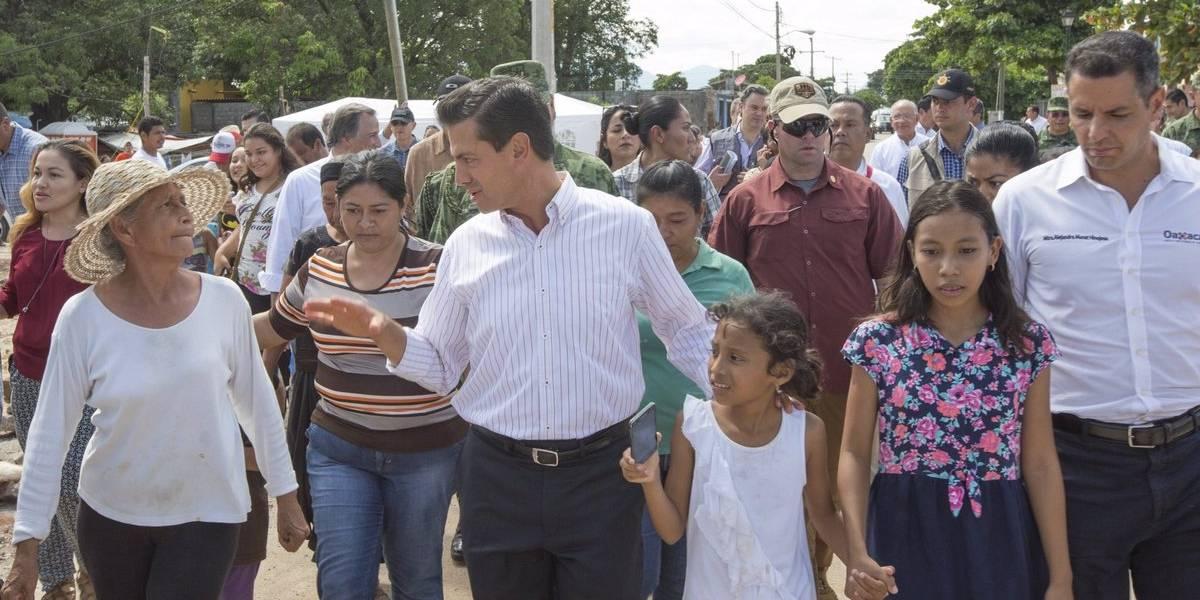 Peña Nieto supervisa reconstrucción en Oaxaca