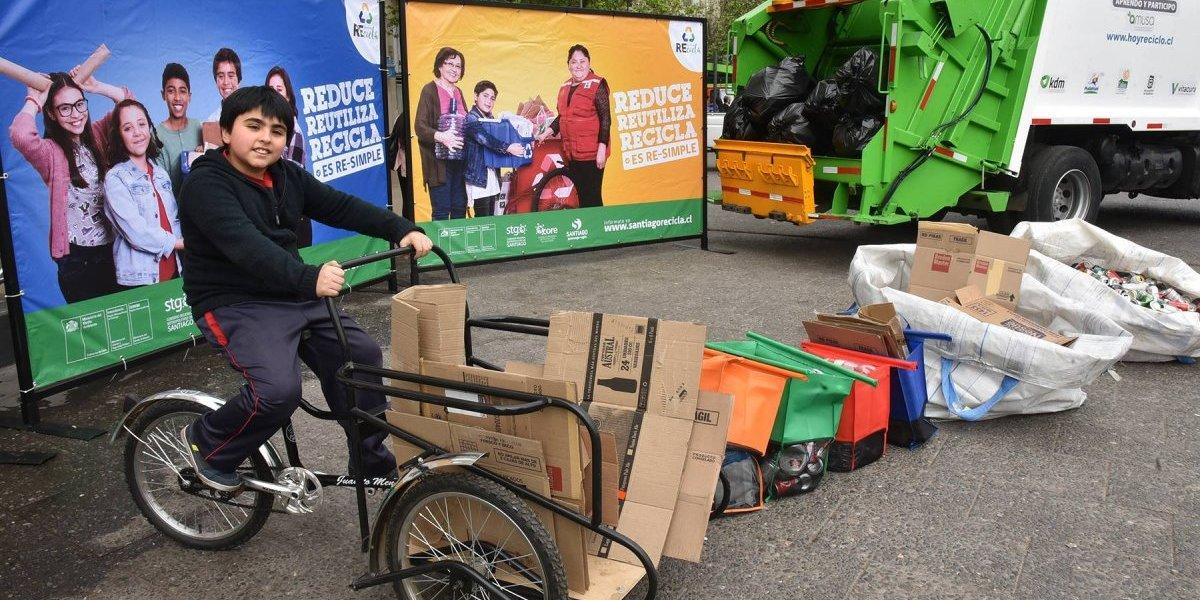 """Campaña """"Santiago limpia, recicla"""" se desarrollará durante todo el mes de octubre"""