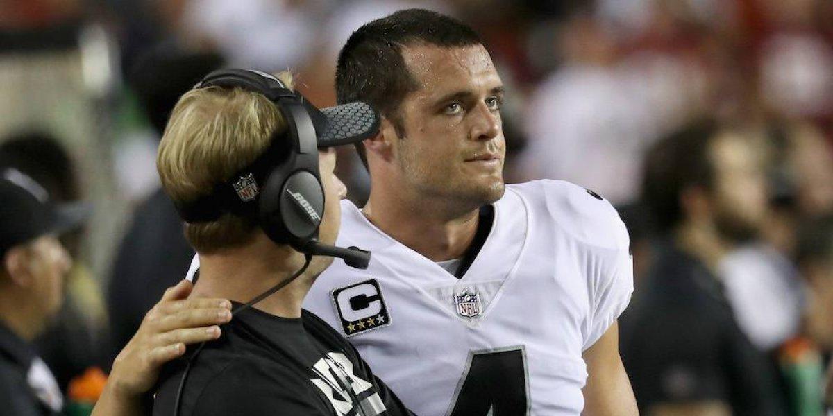 Raiders pierden a Derek Carr por una fractura