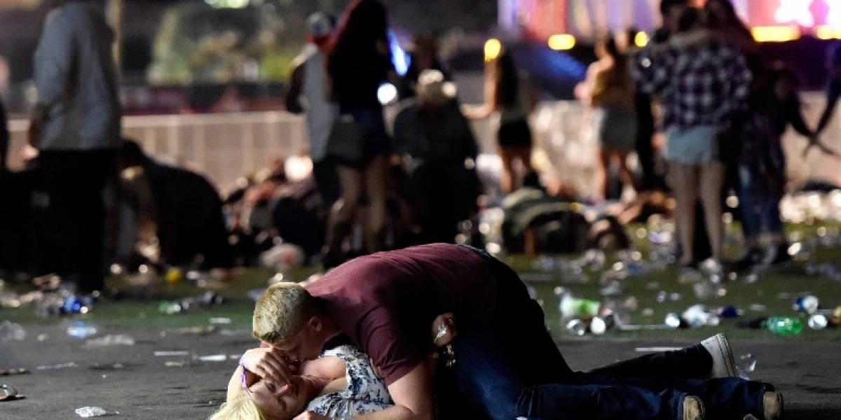 Las desgarradoras imágenes que muestran el pánico y dolor tras tiroteo en Las Vegas