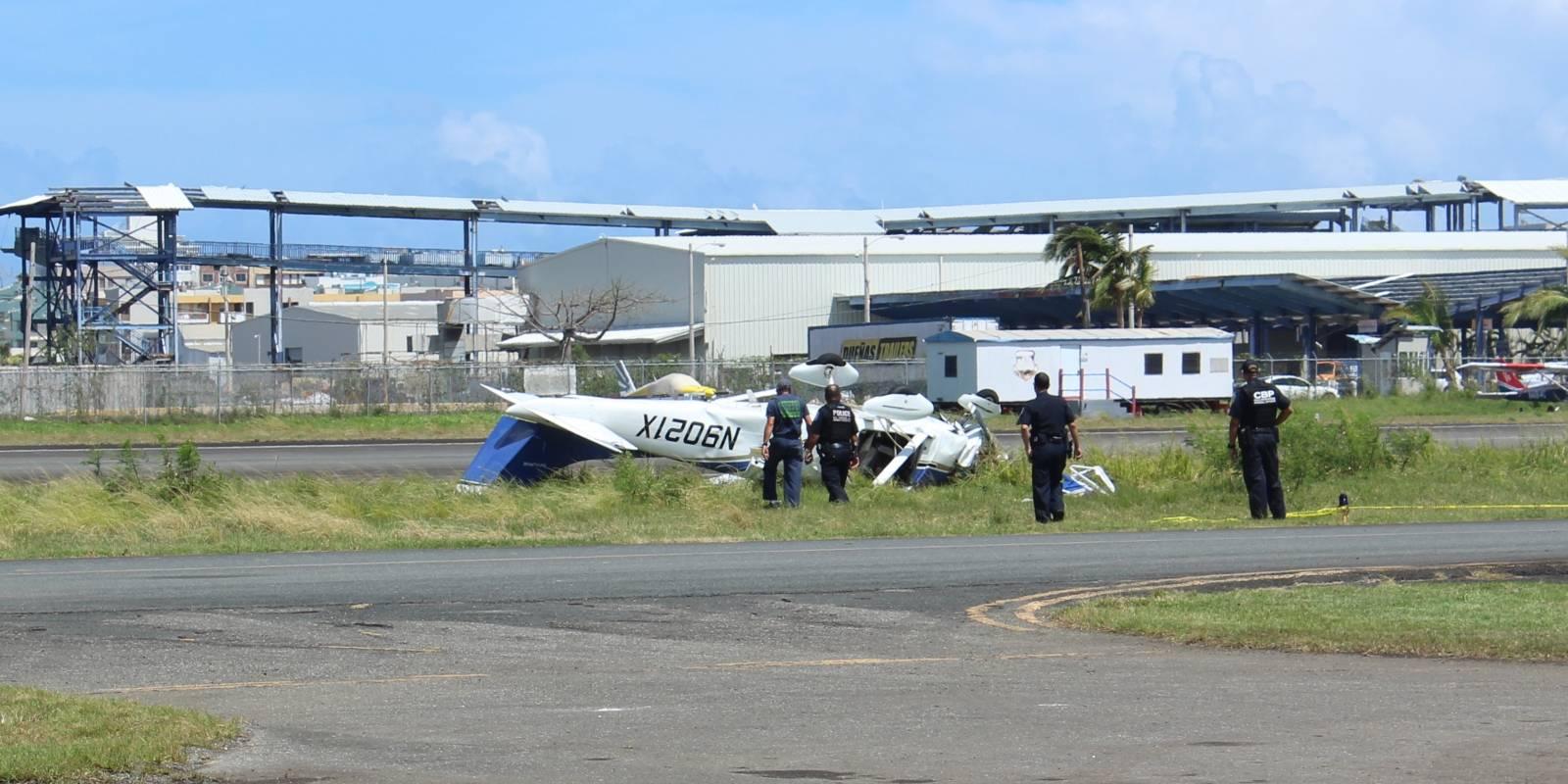 La avioneta Cessna de un motor se estrelló mientras aterrizaba en la pista del aeropuerto de Isla Grande. Foto: David Cordero Mercado