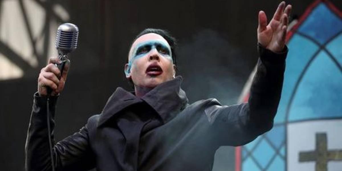 Marilyn Manson, aplastado por dos enormes accesorios en pleno concierto