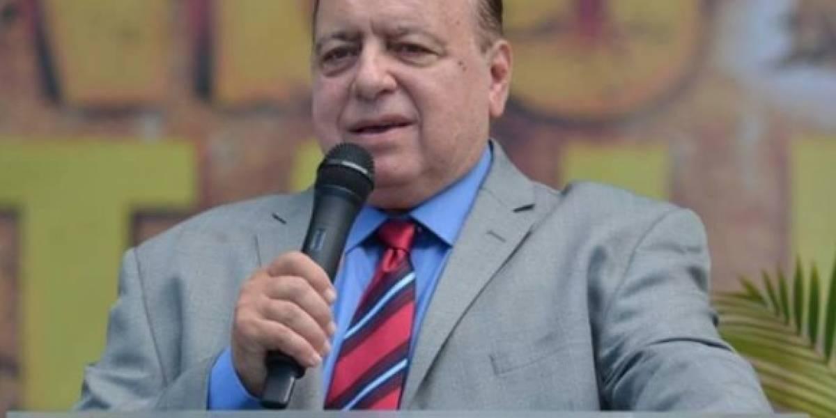 Jorge Raschke alega robo de suministros para iglesias