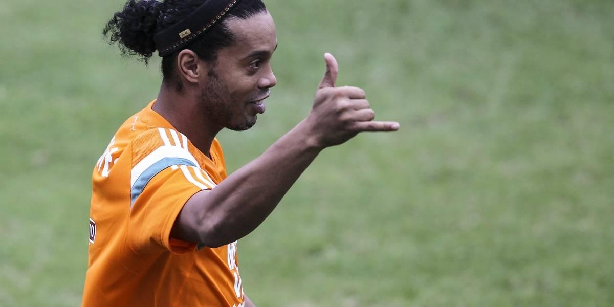 Ronaldinho podría volver a ponerse la camiseta de Brasil... en Futsal