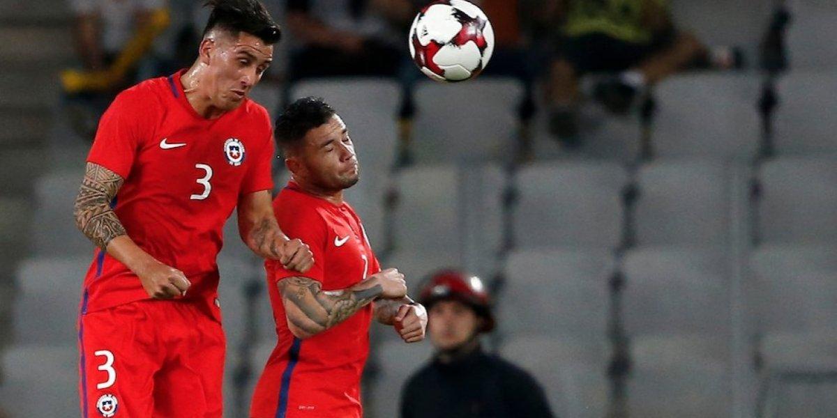Enzo Roco y Eugenio Mena suman bonos en la Roja para ser titulares ante Ecuador