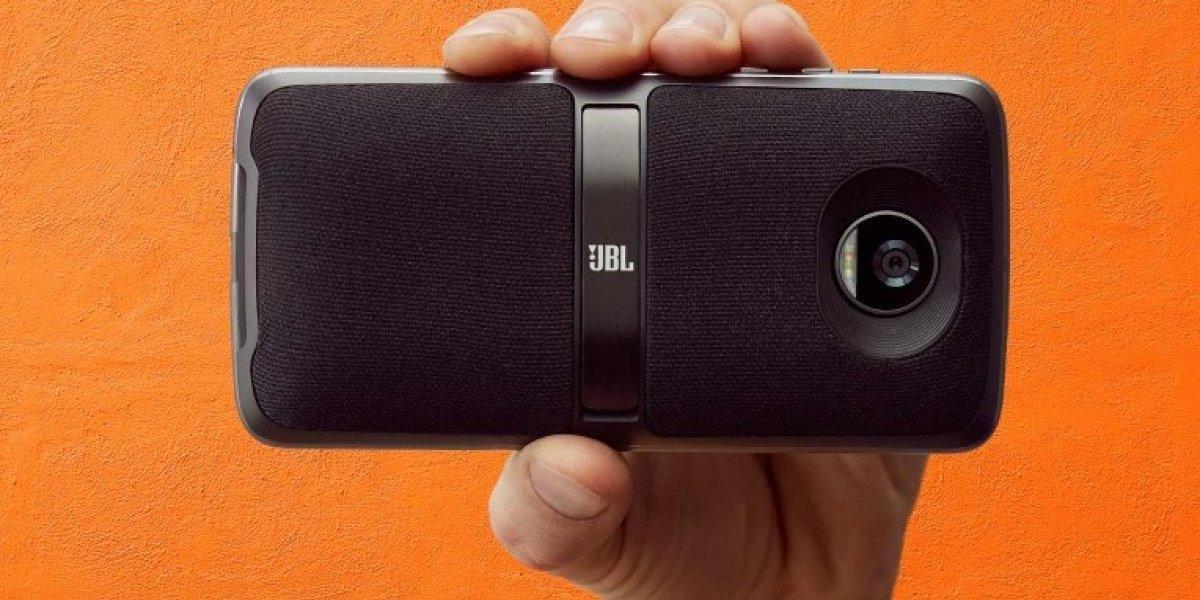 Cómo funcionan los Moto Mods del nuevo smartphone Moto Z2 Play