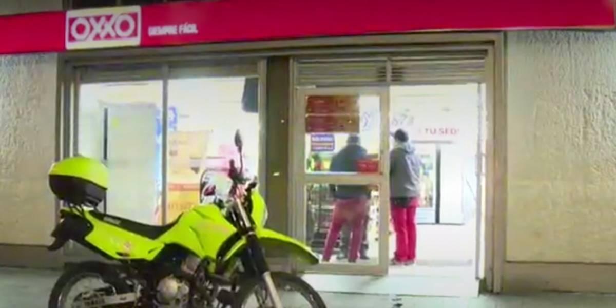 Delincuentes no solo se conformaron el dinero, también se llevaron trago y golosinas de un negocio en Bogotá