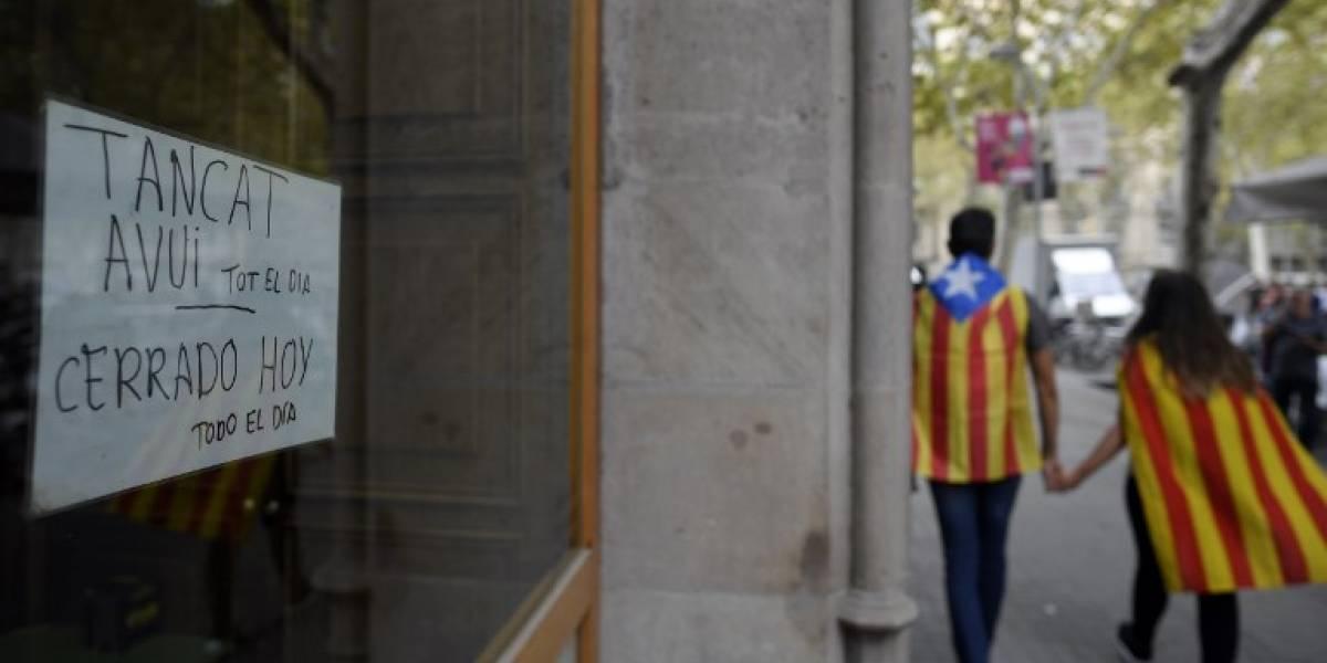 Cataluña paralizada por huelga general en protesta por actuación policial durante el referéndum