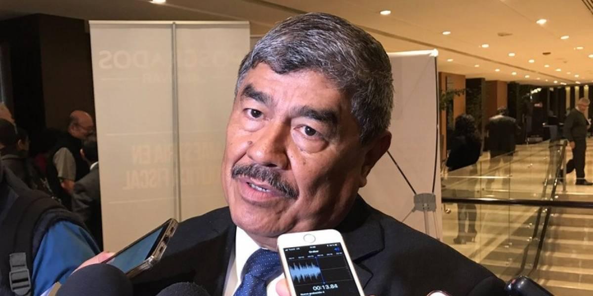 Contralor niega haber permitido que ministro de Salud asumiera sin finiquito