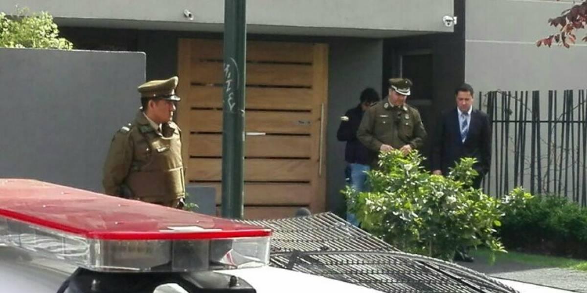 Nuevo femicidio: Sujeto mató a puñaladas a su mujer y se suicidó saltando desde un séptimo piso en Ñuñoa