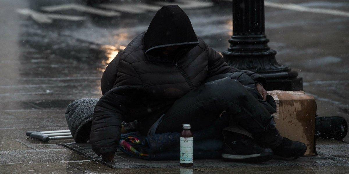 Hombre en situación de calle le pide a un juez que lo envíe a la cárcel para no pasar frío en su cumpleaños