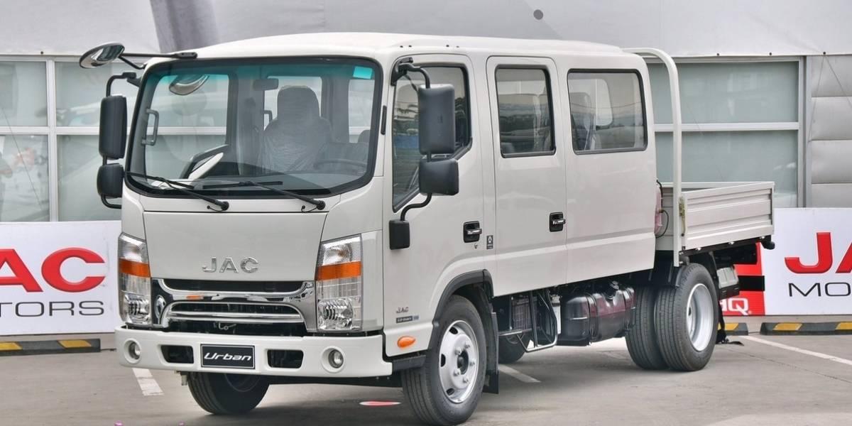 JAC Camiones renueva su Urban 1050 Triple Cabina