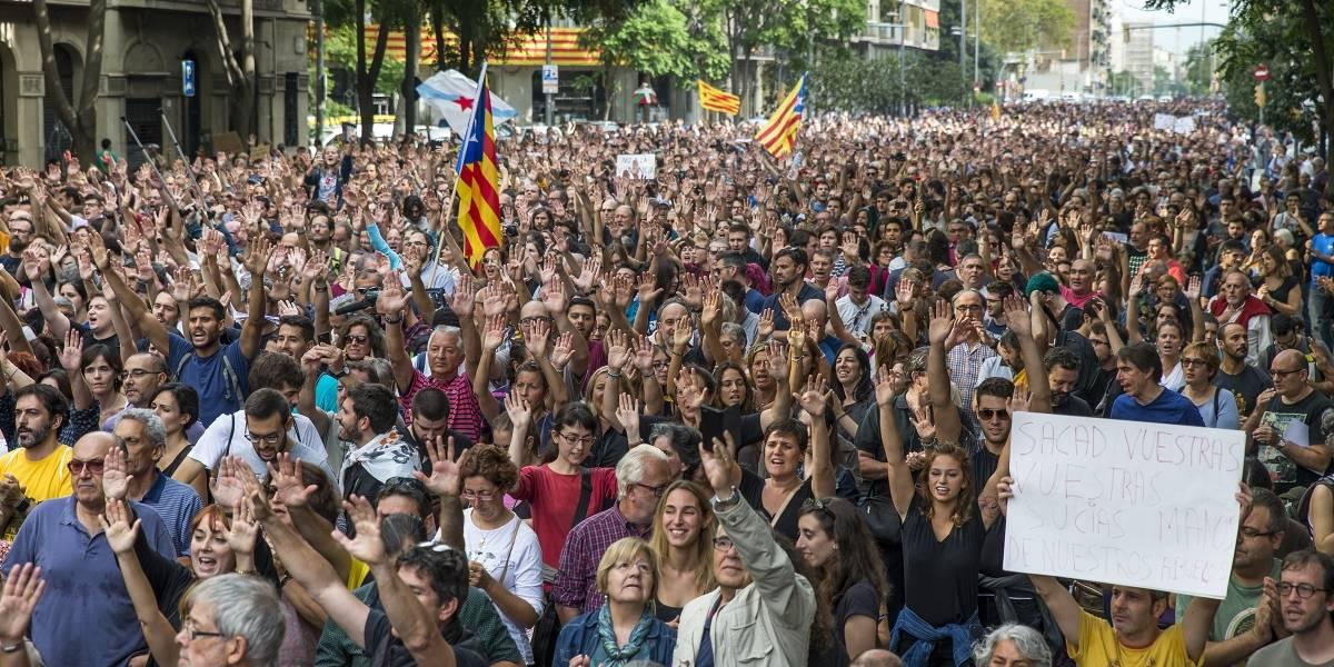 Huelga general en Cataluña tras la violencia policial contra el referéndum