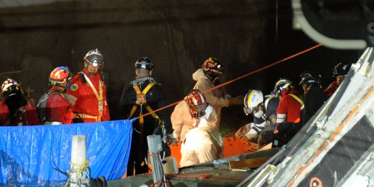 Rescatistas recuperan otro cuerpo en Álvaro Obregón 286; falta uno por recuperar