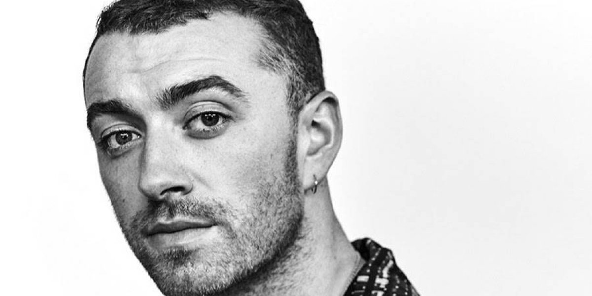 Sorprenden a Sam Smith besándose con protagonista de 13 Reasons Why