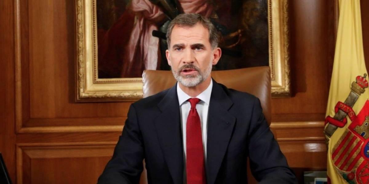 Rey de España critica a autoridades catalanas