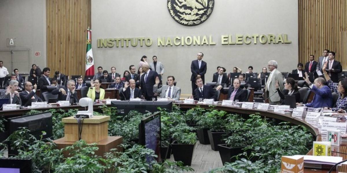 INE confirma que Riquelme y Anaya rebasaron topes de campaña en Coahuila