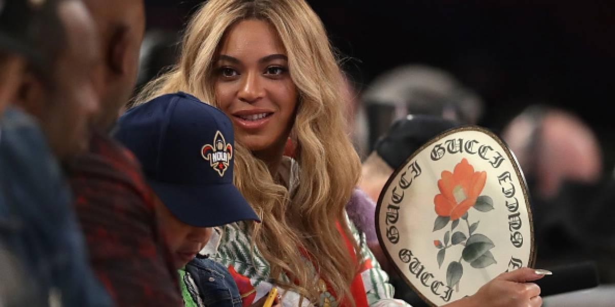 Beyoncé compartió foto sin maquillaje en redes sociales