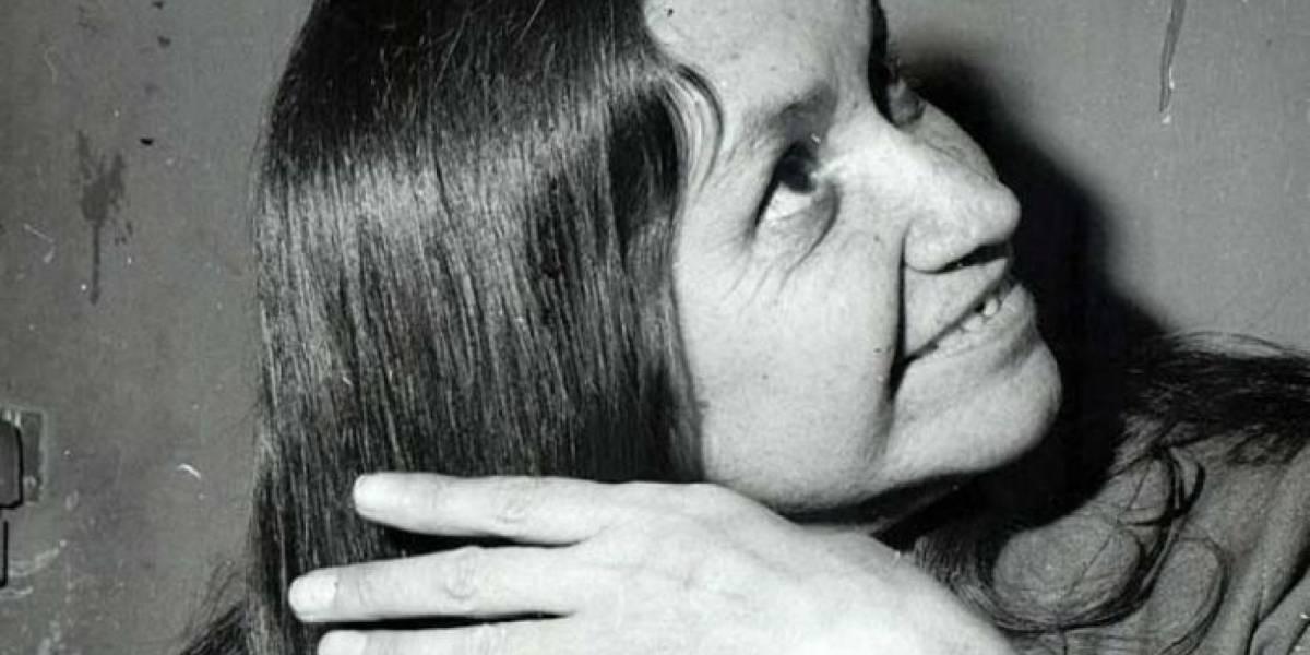 "Violeta 100 años: ""La piedra Angular"""