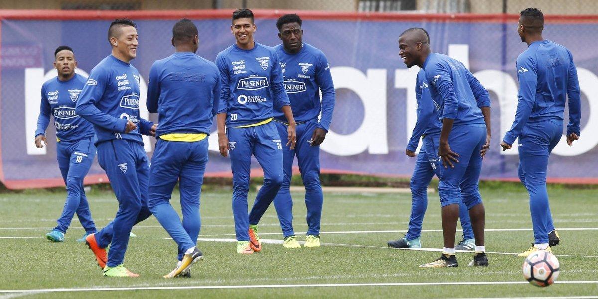 Con Romario y Ronaldo en el recambio: Ecuador ocupará a la Roja como laboratorio de ensayos para el futuro