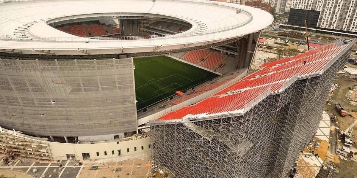 Mundial: Rusia hace estadio con tribunas afuera